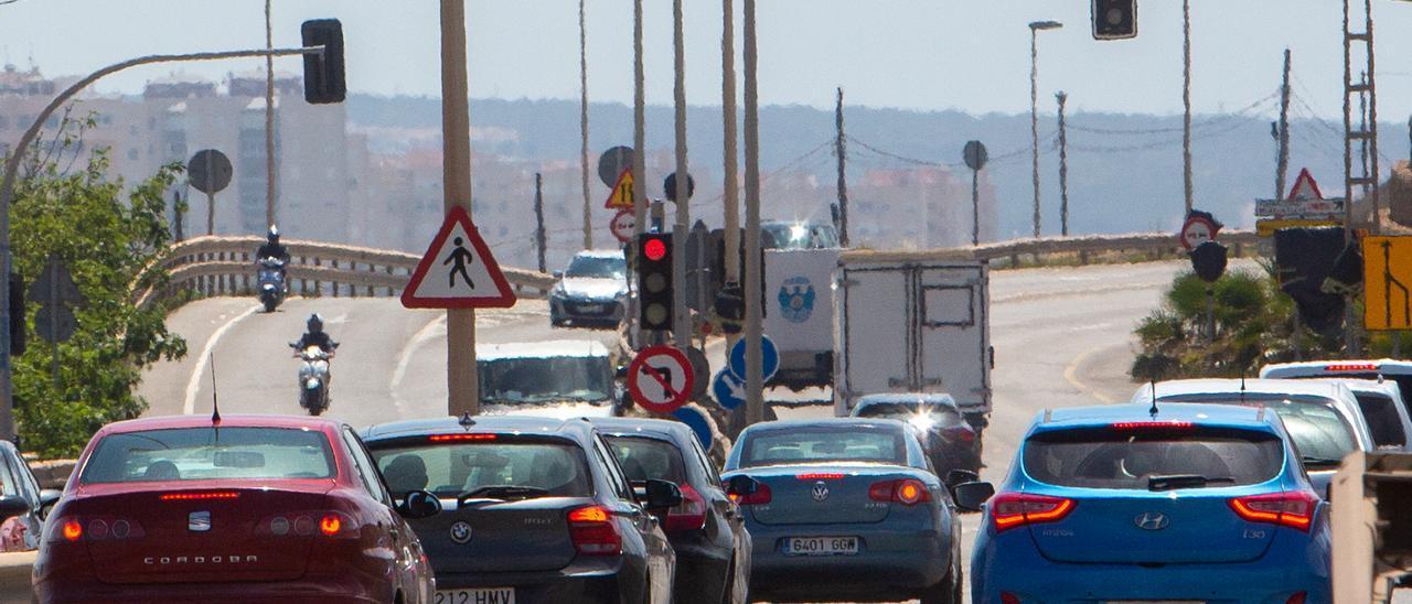 Paso elevado en dirección a Urbanova desde Alicante.