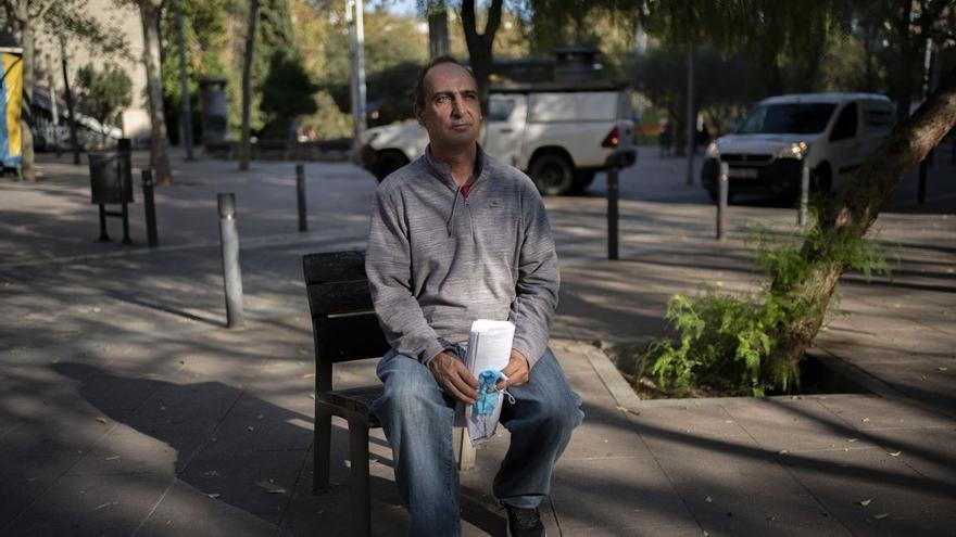 """Manel, 55 anys: """"Necessito feina ja, en una setmana em quedo al carrer"""""""