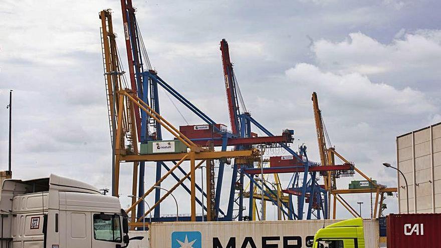 La exportación valenciana acumula una bajada del 13,1 %