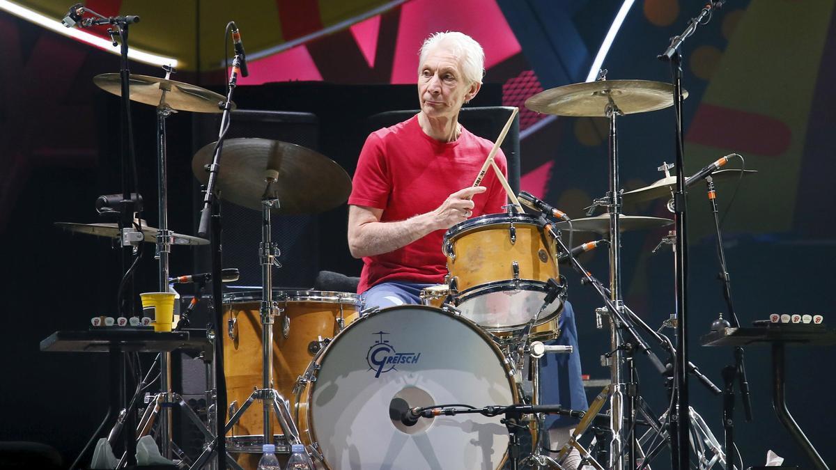 Charlie Watts durant un concert amb els Rolling Stones el 2016
