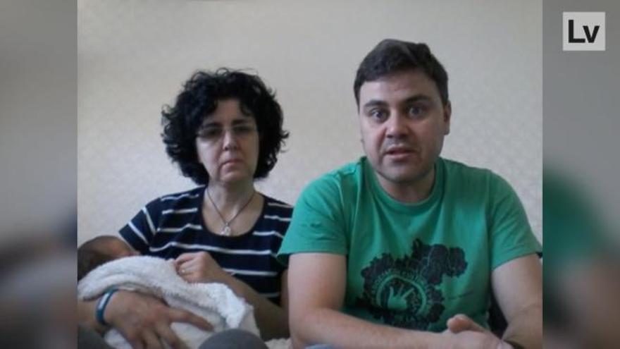 """Familia atrapada en Kiev: """"Pedimos salvoconducto para regresar a España con nuestro bebé"""""""