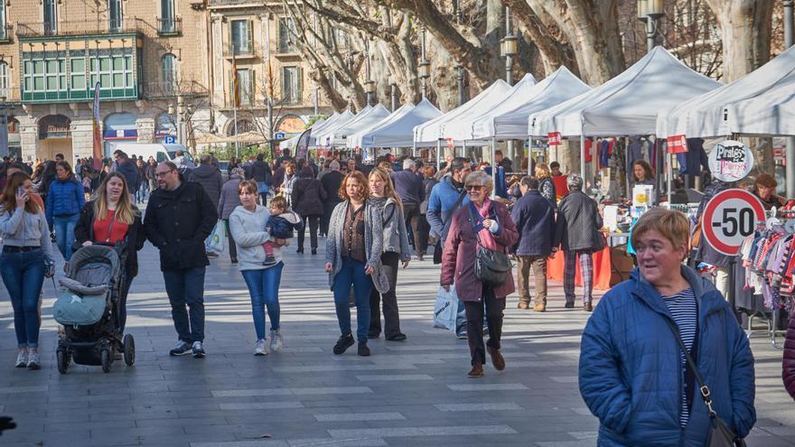 """Torna a la Rambla de Figueres el mercat comercial del febrer com a """"Mercat de Revaixes"""""""