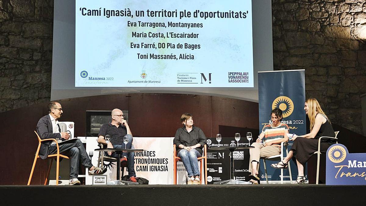 La taula rodona de cloenda amb Palau, Massanés, Costa, Tarragona i Farré, ahir al vespre | ALEX GUERRERO