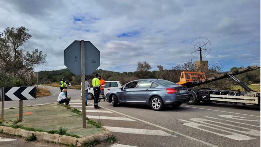 Accidente en la carretera de Santa Eulària a Cala Llonga