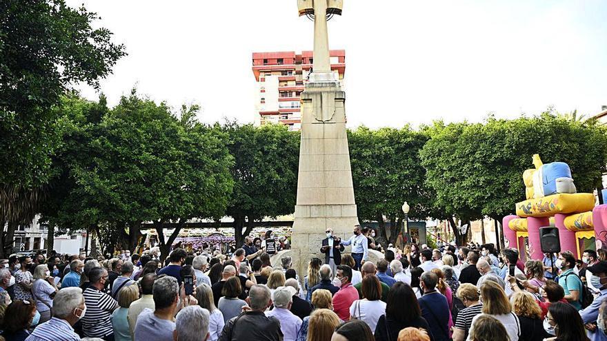 «La cruz ni tiene bandos ni se toca»