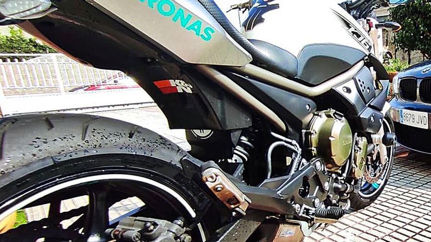 Un joven de 24 años muere al perder el control de su moto en Tui