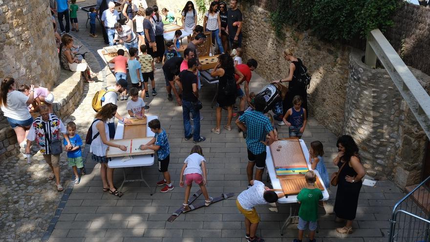 Més d'una vintena d'artesans participen en L'Enfira't de Lladó aquest diumenge