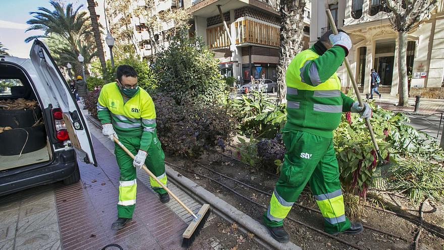 Alicante inicia el año con pagos de casi 850.000 euros mensuales por cinco servicios sin contrato