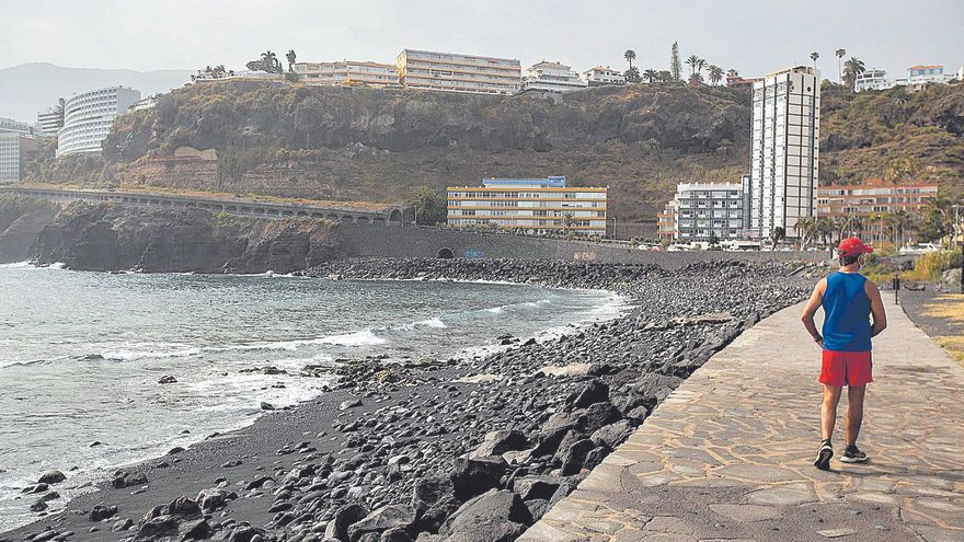 Puerto de la Cruz pide  al Cabildo que intervenga en la Ladera de Martiánez