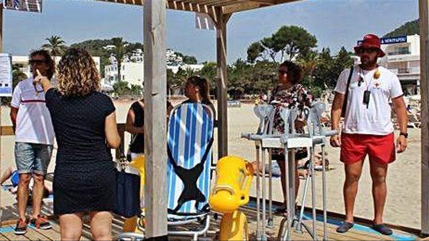 El servicio de salvamento empieza mañana en las playas de Santa Eulària