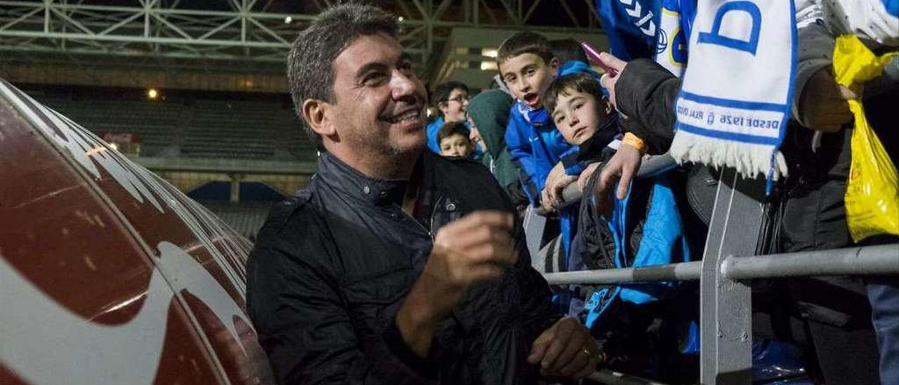 Arturo Elías, en una de sus visitas al Carlos Tartiere.