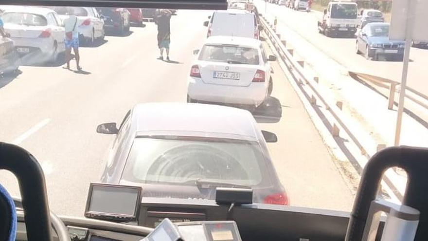 Un accidente múltiple en la autovía de La Manga provoca largas retenciones