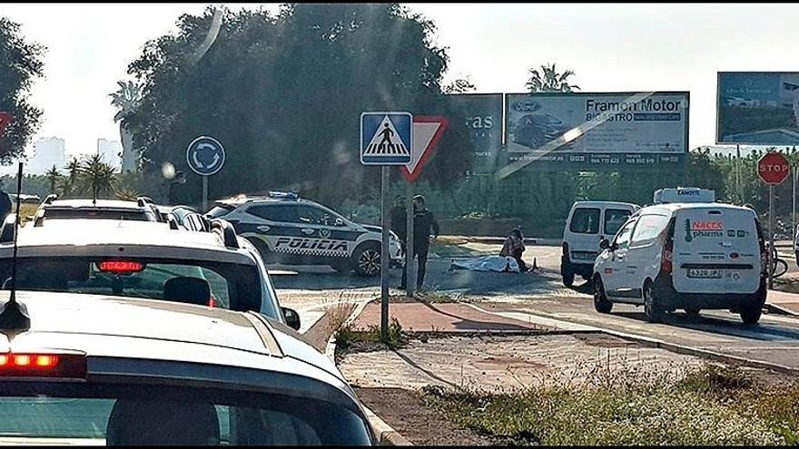 Un turismo atropella a un ciclista en Torrevieja y se da a la fuga