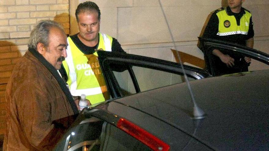 El exalcalde Moya se enfrenta a 5 años de cárcel por aceptar un coche comprado con un pagaré municipal
