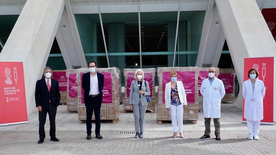 Hortensia Herrero dona 3 millones de jeringuillas para la vacunación contra el coronavirus