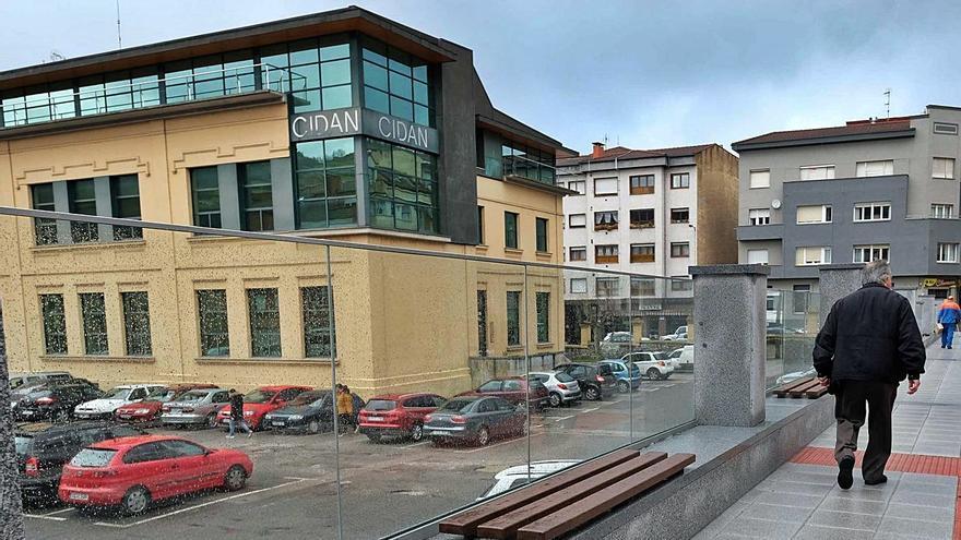 """Doscientas plazas de aparcamiento en Laviana se controlarán con una """"app"""""""
