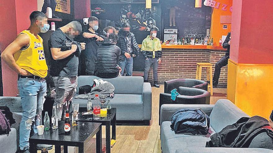 Desarticulan Una Fiesta En Un Pub De Mislata Tras Identificar La Decoración Del Local En Vídeos De Redes Sociales Levante Emv