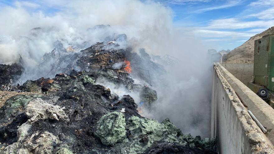 Sofocado el incendio de una planta de residuos plásticos en Monzón