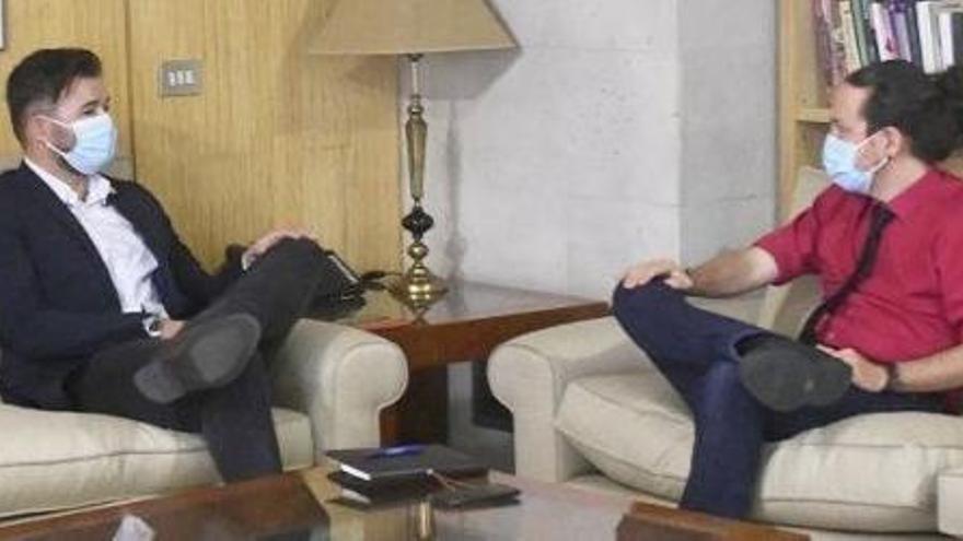 """Iglesias constata la """"disposición"""" de ERC y EH Bildu a mantener al Gobierno"""