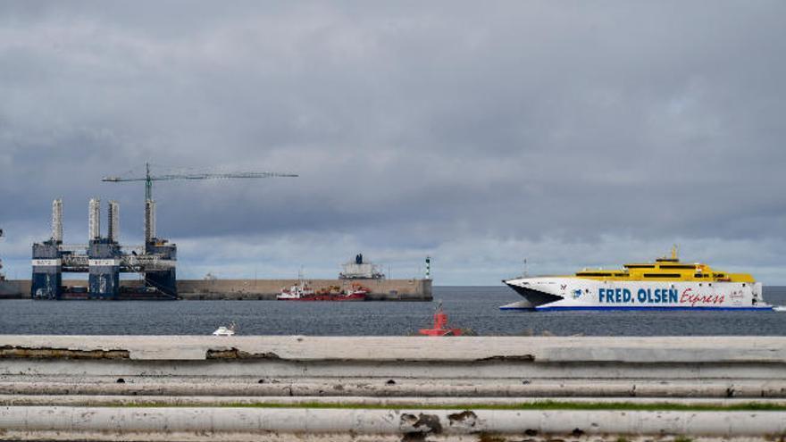 Asegurado el suministro de mercancías a Canarias por mar desde Huelva