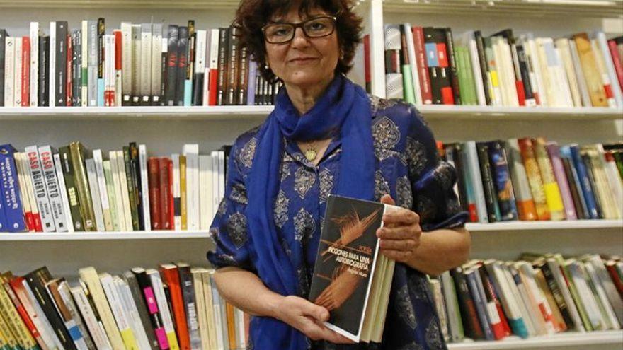 Ángeles Mora recibe el Premio Ciudad de Cabra de poesía