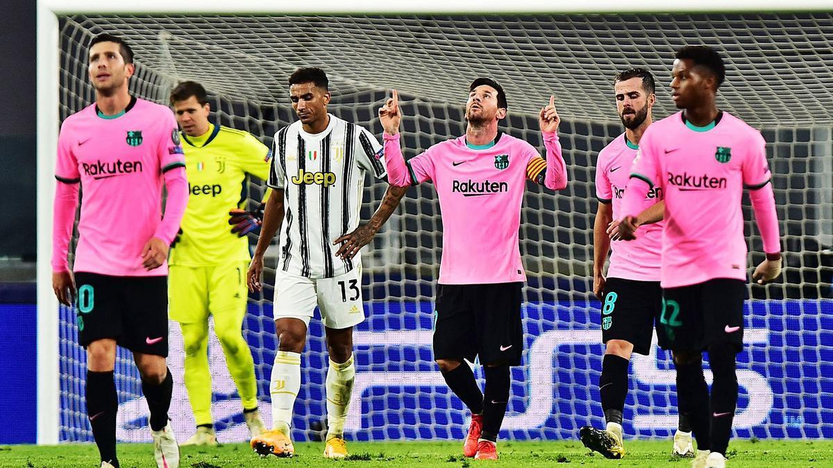 Leo Messi celebra el gol, de penalti, que certificó la victoria del Barcelona contra la Juventus. | EFE/MASSIMO PINCA