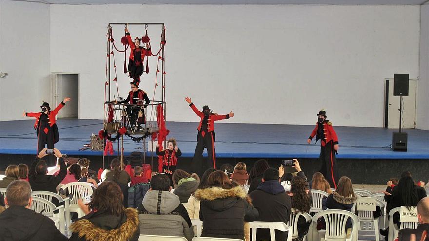 La Troupe Malabó aterriza con su circo en Burjassot