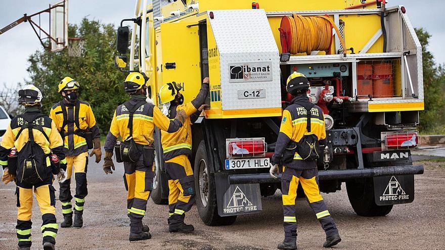 Declarado un incendio en una zona agrícola de Ibiza