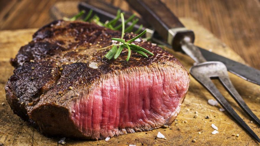 ¿Cuánta carne roja puedo comer a la semana?