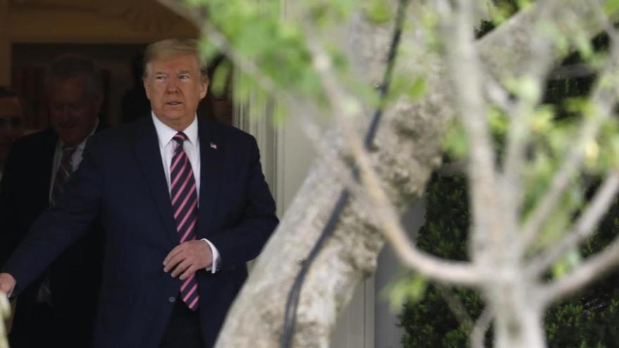 La Casa Blanca no seguirá las recomendaciones de los expertos para reabrir EEUU