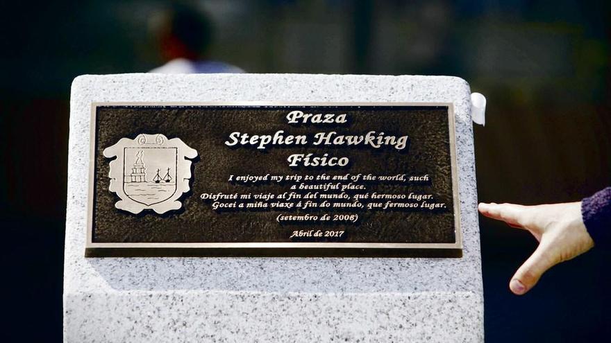 Fisterra inmortaliza el gozo de Hawking