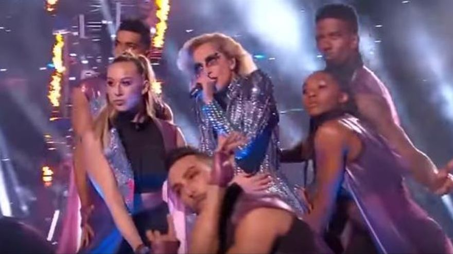 VÍDEO: L'espectacular actuació de Lady Gaga a la Superbowl