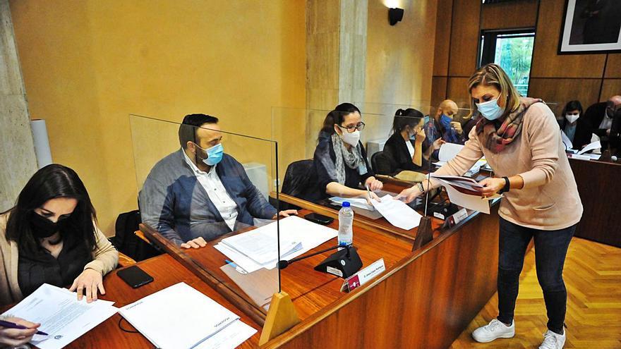 Todos los partidos de Vilagarcía, incluido el PP, urgen un punto de PCR en O Salnés