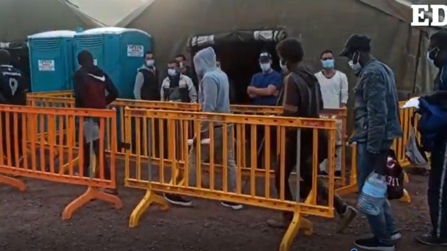 Interior traslada a Barranco Seco a otros 200 migrantes llegados a Arguineguín
