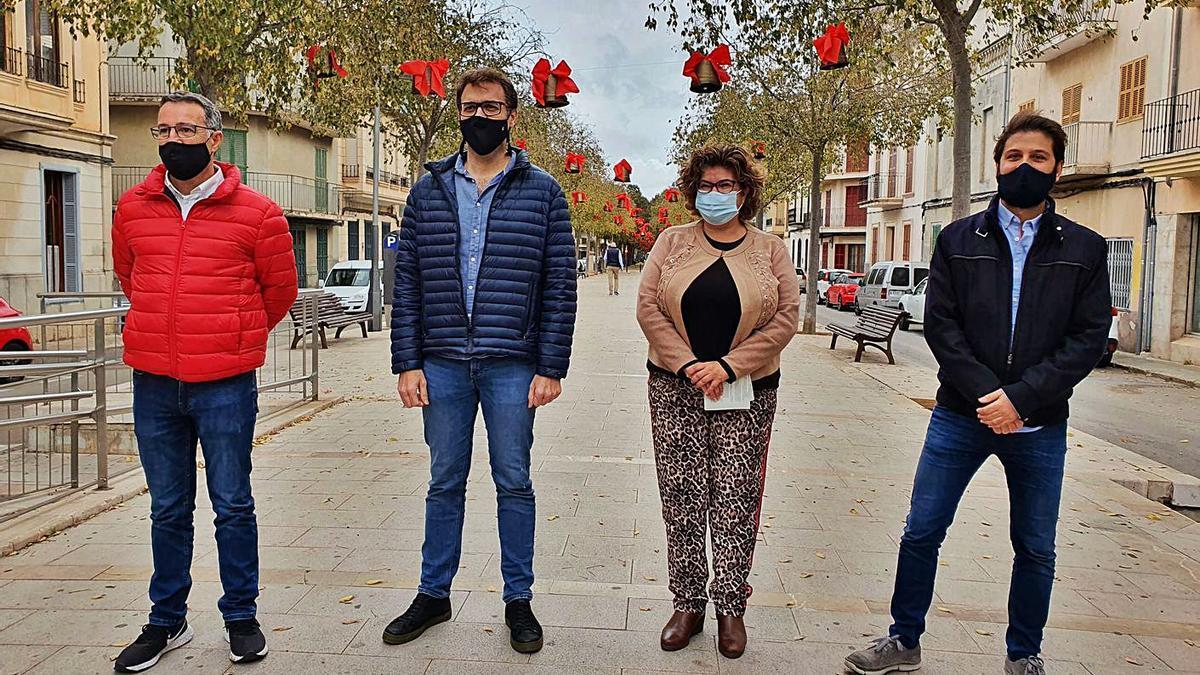 Mateu Català, Miquel Oliver, Maria Antònia Truyols y Mateu Marcé, en Na Camel·la.