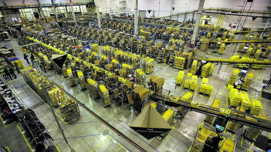 Amazon busca suelo para montar un gran centro logístico en Canarias