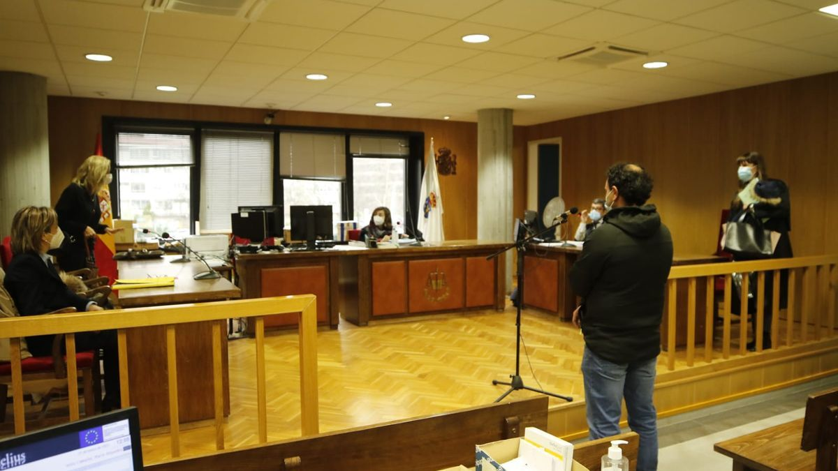 Un momento durante el juicio al presunto kamikaze de la A-55. // Alba Villar