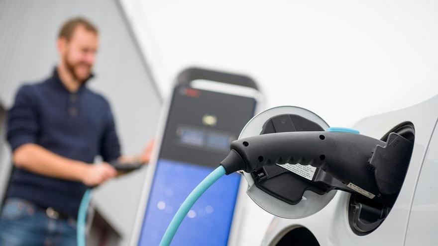 Ayudas de hasta 7.000 euros para vehículos eléctricos en la Región