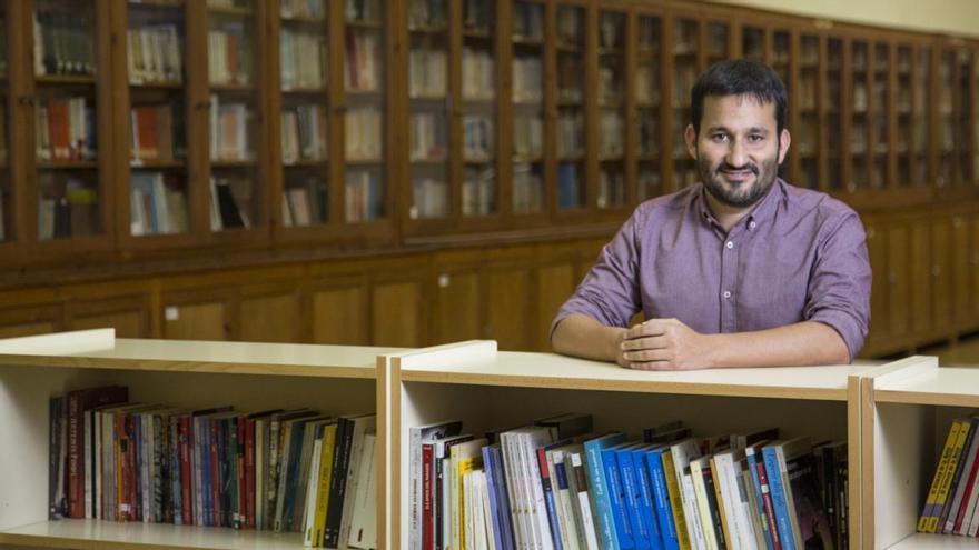 Vicent Marzà respon als dubtes sobre l'inici del curs en «Converses de futur»