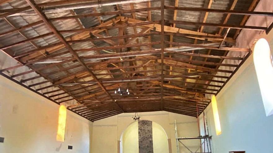 Sarracín honra a     San Miguel en el    Salón de Baile al estar en ruinas la iglesia