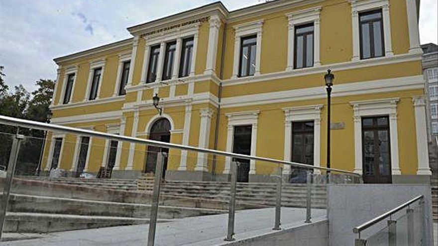 La biblioteca infantil de Betanzos, sin fecha de apertura 10 años después de su ejecución
