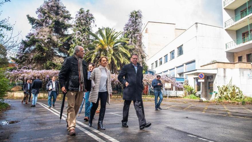 Mallada apoya el proyecto de Canteli de crear una ciudad de la justicia en el viejo HUCA de Oviedo