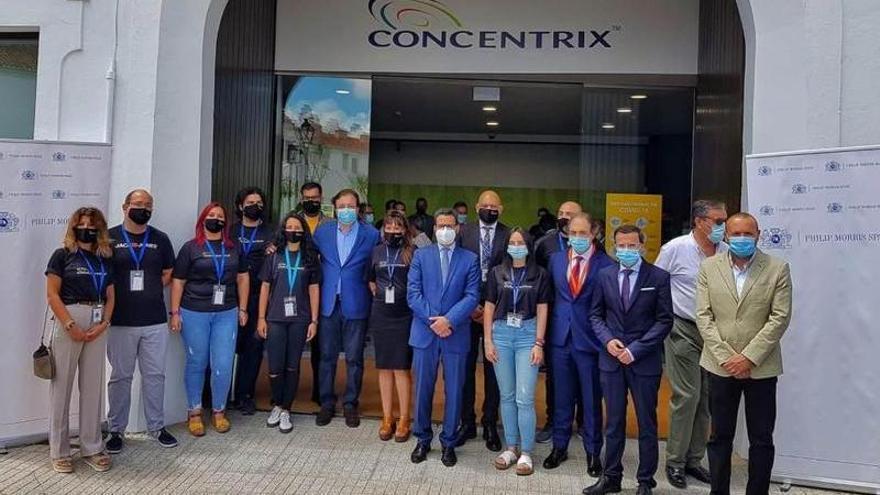Philip Morris abre en Olivenza su primer 'call center' para usuarios de IQOS