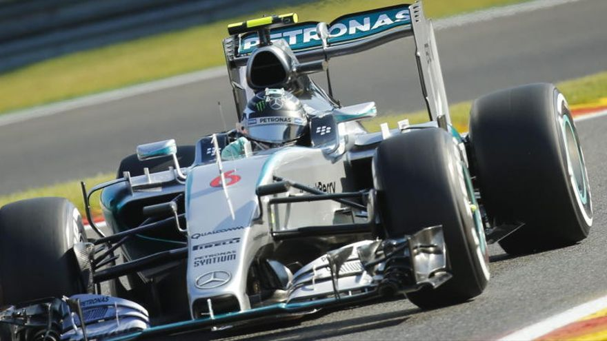 Rosberg domina en Spa en una accidentada segunda sesión