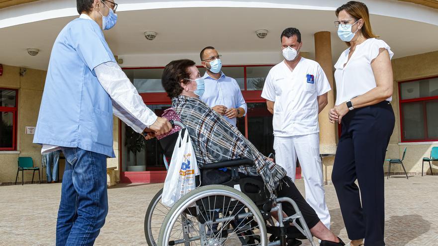 Coronavirus en Murcia: Los trabajadores no vacunados de las residencias se someterán a un test de antígenos diario
