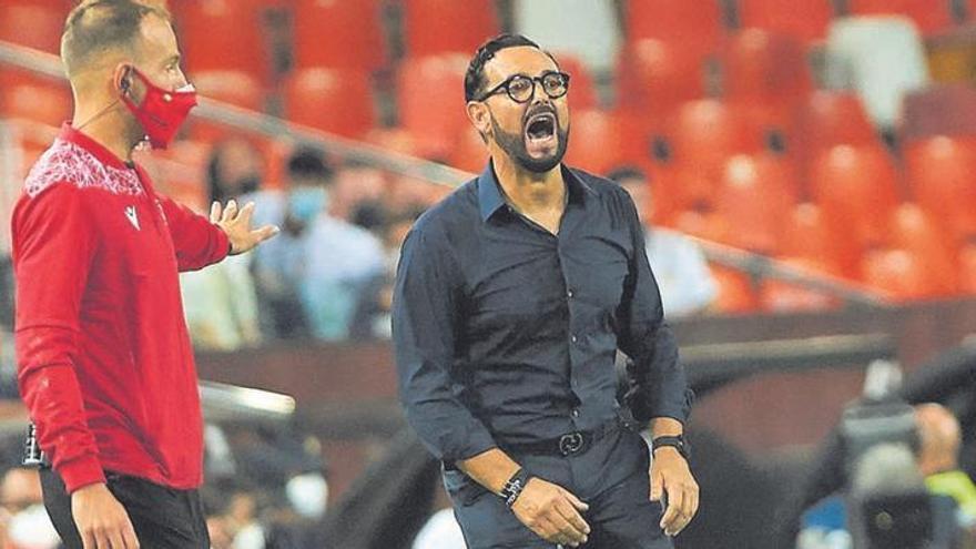 El Valencia quiere fichar a un delantero... que no es Calleri