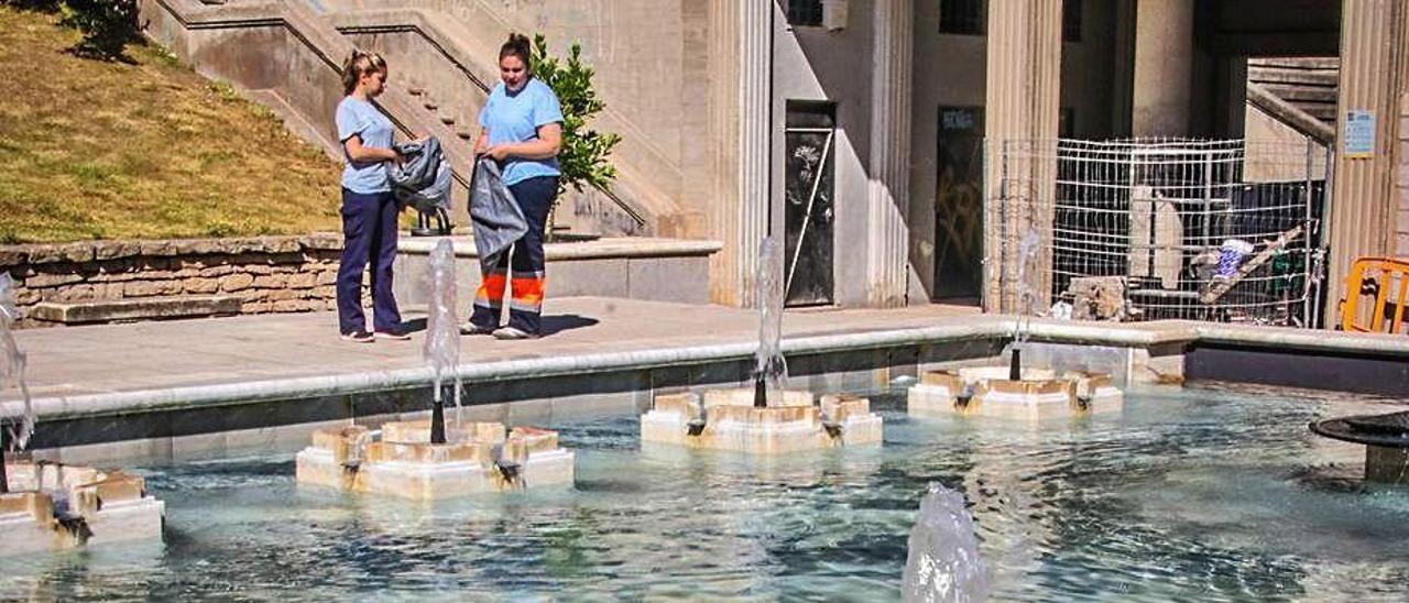 Surtidores de agua en uno de los parques de Alcoy