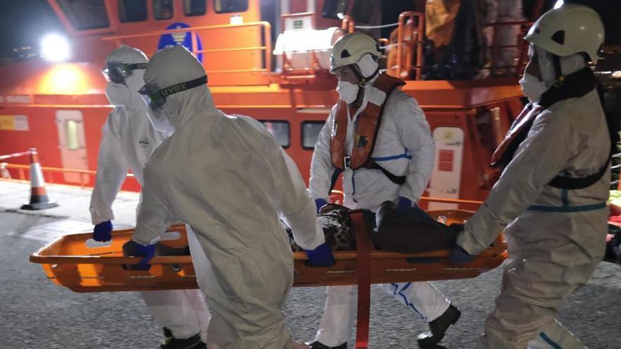 Rescatados 18 inmigrantes cerca de las costas de Granada