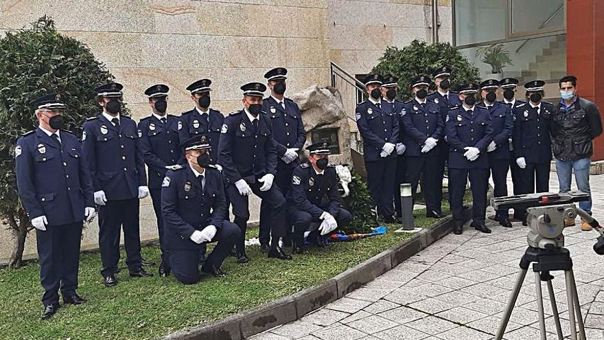 Homenaje al policía nigranés Víctor Lomba tras un año de su muerte