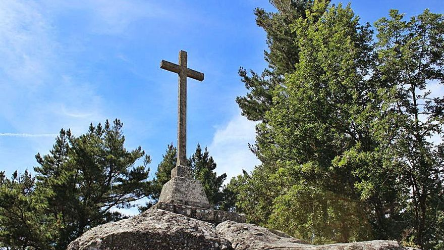 Las raíces ourensanas que levantaron la cruz falangista de Celanova